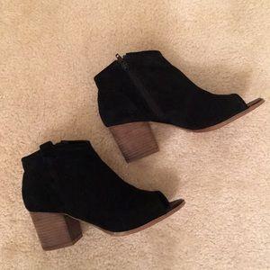 ALDO ankle boots size 7.5